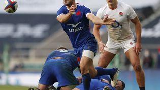 Baptiste Couilloud à la manœuvre contre Angleterre (ADRIAN DENNIS / AFP)