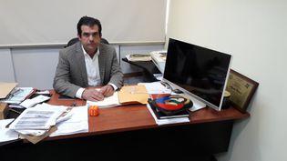 Alfredo Romerofournit une aide juridique gratuite aux personnes emprisonnéesau Venezuela. (Sandrine Etoa Andegue/RadioFrance)