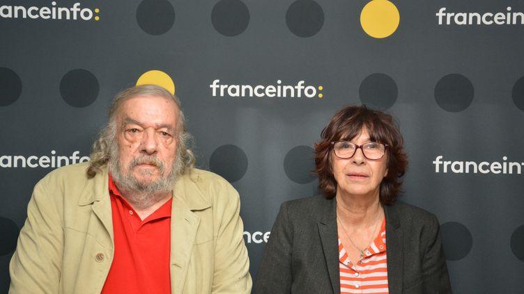 """Blanche Finger et William Karel réalisateurs du documentaire """"Une terre deux fois promise : Israël-Palestine"""". (JEAN-CHRISTOPHE BOURDILLAT / RADIO FRANCE)"""