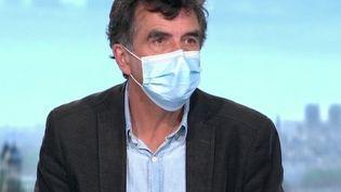 Coronavirus : un membre du Conseil scientifique explique le durcissement des mesures à venir (France 2)