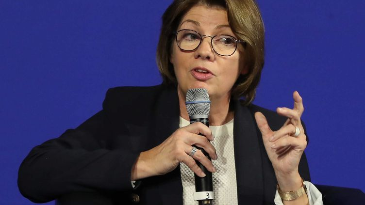 Agnès Lebrun, lors d'un congrès des maires de l'Isère, le 13 octobre 2018. (MICHEL THOMAS / MAXPPP)