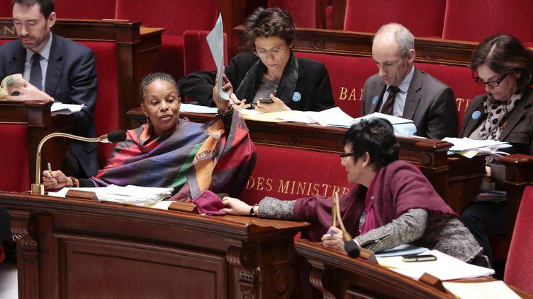 Christiane Taubira, ministre de la Justice, et Dominique Bertinotti, ministre de la Famille, lors du débat sur le mariage pour tous à l'Assemblée nationale, le 8 février 2013. ( MAXPPP)