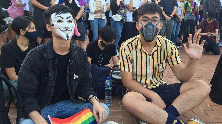 Rassemblement pour les droitsLGBT à Hong Kong, le 16 novembre 2019, auquel se sont joints de militants pour la démocratie. (DOMINIQUE ANDRÉ / RADIO FRANCE)