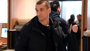 L'activiste russe Piotr Pavlenski au palais de justice de Paris, mardi 3 mars 2020. (ALAIN JOCARD / AFP)
