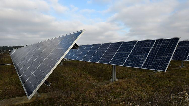 Leprésidentdusyndicat des professionnels de l'énergie solaire attend des mesures concrètes, après la présentation du plan solairepar legouvernement. (JEAN-FRANCOIS MONIER / AFP)
