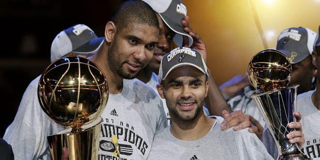 Tim Duncan et Tony Parker, champions NBA 2007