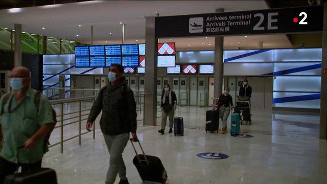 Covid-19 : une quarantaine obligatoire pour les voyageurs en provenance de sept nouveaux pays