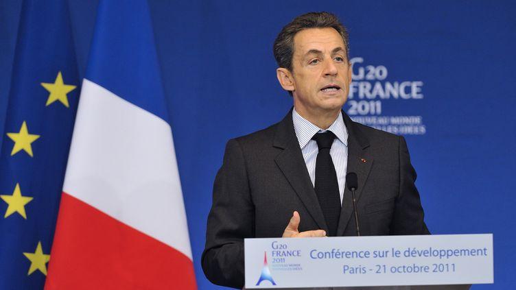 Nicolas Sarkozy prononce un discoursen tant que président du G20 sur le développement, le 21 octobre 2011, à Paris. (ERIC FEFERBERG / AFP)