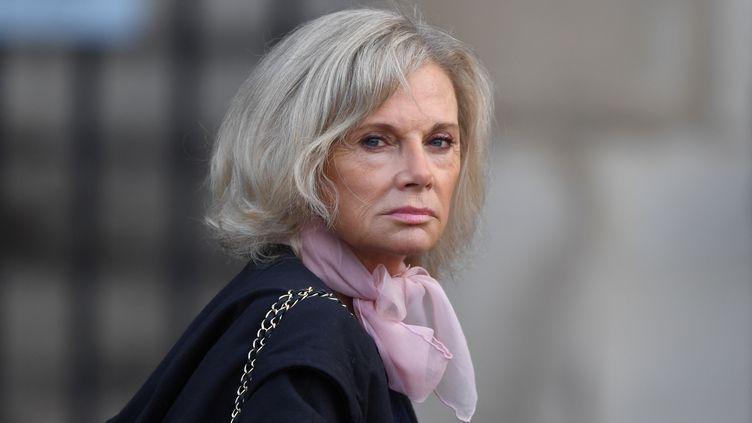 L'ex-ministre de la Justice, Elisabeth Guigou, arrive à l'église Saint-Sulpice à Paris, le 30 septembre 2019, pour les obsèques de Jacques Chirac. (ERIC FEFERBERG / AFP)