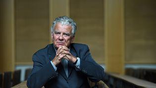 Olivier Duhamel, alors président de la Fondation nationale des sciences politiques, pose le 19 mai 2016 à l'Institut des Sciences politiques à Paris. (STEPHANE DE SAKUTIN / AFP)