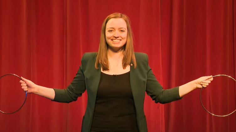 L'illusioniste Megan Swann dans une interview à 5News. (CAPTURE D'ECRAN)