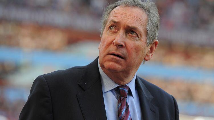 Gérard Houllier a entraîné le PSG et Liverpool, deux clubs qui s'affrontent mardi en Ligue des champions (MICHAEL REGAN / GETTY IMAGES EUROPE)