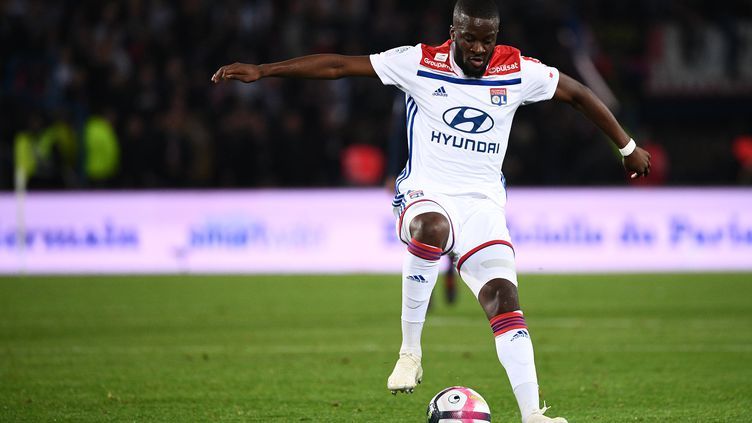 Tanguy Ndombélé pourrait quitter Lyon pour Tottenham (FRANCK FIFE / AFP)