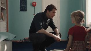 """""""Les Chatouilles"""" est un film au nom plutôt sympathique qui parle pourtant d'un sujet gravissime : la pédophilie. La comédienne Andréa Bescond y raconte sa vie. (FRANCE 2)"""
