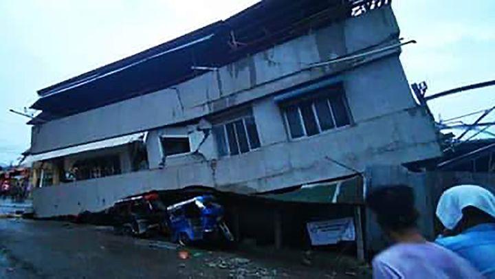 Une maison détruite dans le séisme qui a secoué l'île deMindanao, dans le sud des Philippines, dimanche 15 décembre 2019. (FERDINANDH CABRERA / AFP)