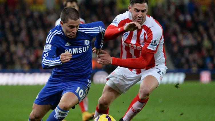 Eden Hazard (Chelsea) dans ses oeuvres contre Stoke City (OLI SCARFF / AFP)