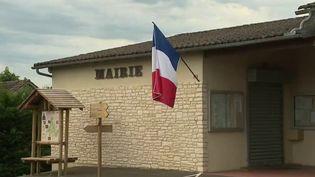 Les autorités sanitaires ont recensé un cluster de Covid-19 dans un village de 500 habitants en Dordogne. (France 3)
