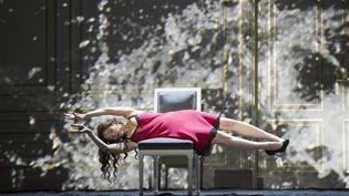 Barbara Hannigan (Bérénice).  (Monika Rittershaus/Opéra national de Paris)