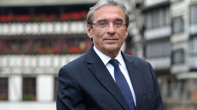 Le maire de Strasbourg Roland Ries, le 16 novembre 2013, à Strasbourg (Bas-Rhin). (PATRICK HERTZOG / AFP)