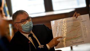 Le docteurJean-Yves Grall, directeur general de l'ARS Auvergne Rhone Alpes à Saint-Etienne, le 9 octobre 2020. (MAXPPP)
