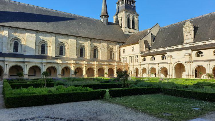 Le cloître de l'Abbaye Royale de Fontevraud. (ANNE CHEPEAU / RADIO FRANCE)