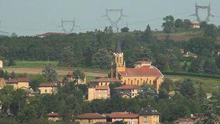 Dans le Rhône, 10 000 foyers sont toujours privés d'électricité en raison des violents orages. (CAPTURE ECRAN FRANCE 2)