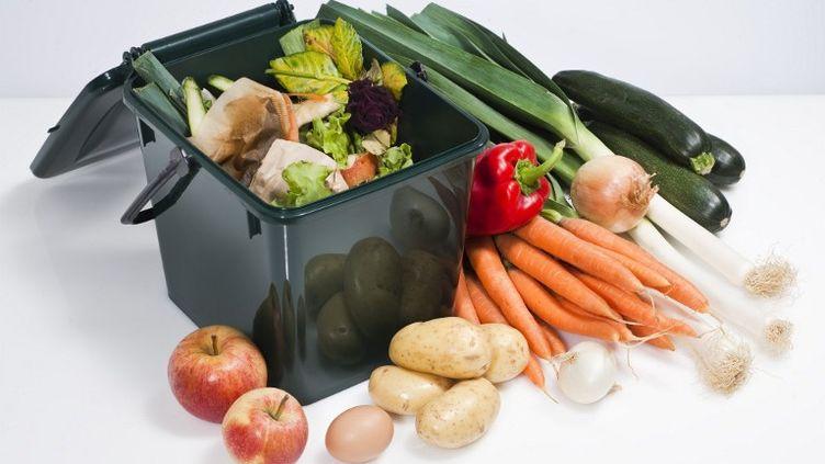 La moitié de la nourriture produite dans le monde serait gaspillée chaque année, révèle un rapport rendu public jeudi 10 janvier 2013 par les médias britanniques. (PASCAL BOUCLIER / PHOTONONSTOP / AFP)