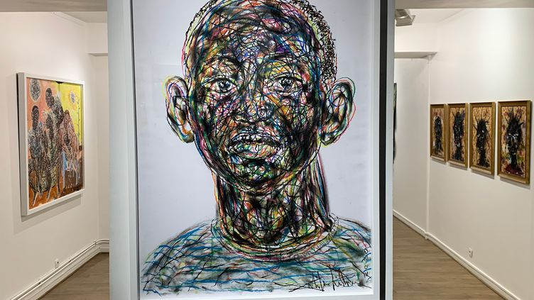 Tableaux deSalifou Lindou et Sejiro Avoseh exposésà la galerie Afikaris (AFIKARIS)