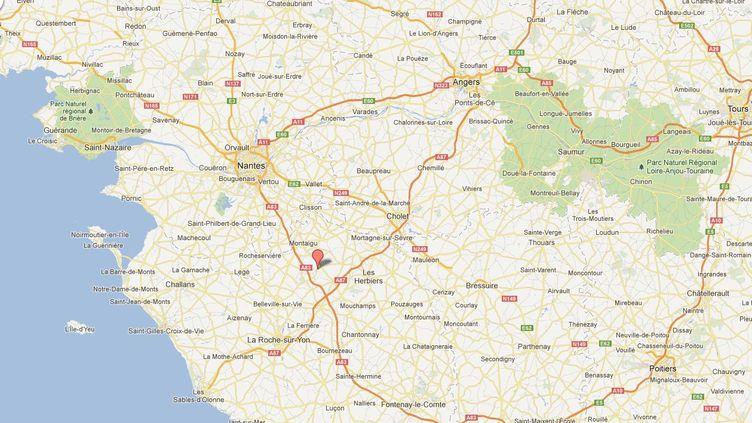 Condamnée à six mois de prison ferme le 3 septembre 2012 pour abus sexuel sur mineur, l'enseignante travaillaità l'école privée Nazareth de Chavagnes-en-Paillers (Vendée). (GOOGLE MAPS)