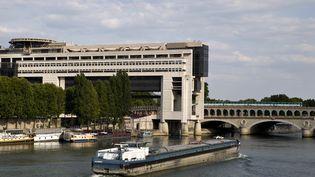 Le misistère de l'Economie et des Finances au bord de la Seine à Paris. (KENZO TRIBOUILLARD / AFP)