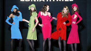 Des mannequins de la marque Sonia Rykiel pendant la Fashion Week en 2004. (JEAN-PIERRE MULLER / AFP)