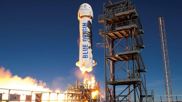 Une fusée Blue Origin d'Amazon décolle de son pas de tir aux Etats-Unis. Photo d'illustration. (HO / BLUE ORIGIN / AFP)