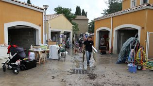 Des maisons touchées par des inondations àGrabels(Hérault), le 7 octobre 2014. (MAXPPP)