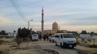 La mosquée ciblée par l'attentat, le 24 novembre 2017 àBir Al-Abed (Egypte). (STRINGER / ANADOLU AGENCY / AFP)