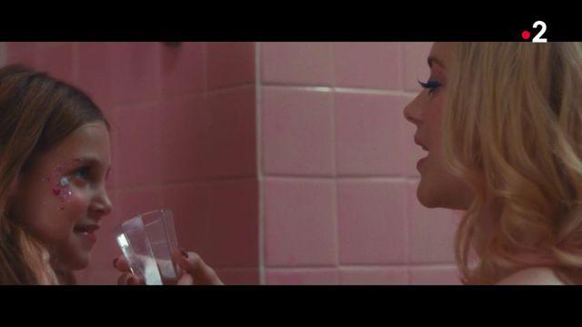"""Cannes : dans """"Gueule d'Ange"""", Marion Cotillard incarne une maman fragile et irresponsable"""