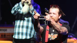 Jesse Hughes, le chanteur des Eagles of Death Metal, à l'Olympia, le 16 février 2016. (JOEL SAGET / AFP)