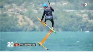 Le foil révolutionne la pratique des sports d'eau. (FRANCE 2)