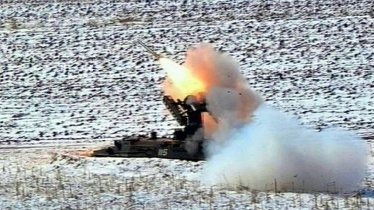 Une capture d'écran d'une vidéo diffusée le 20 mars 2013 par la télévision nord-coréenne, montrant un tir de missile. (NORTH KOREAN TV / AFP)