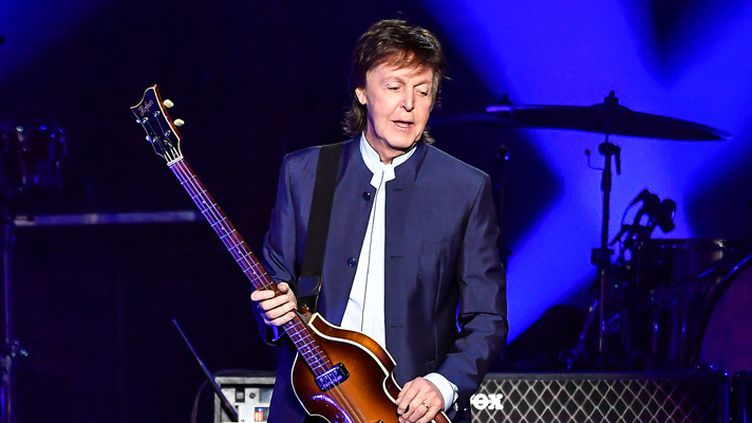 Paul McCartney sur scène à Fresno, en Californie, le 13 avril 2016  (Steve Jennings / Getty Images / AFP)