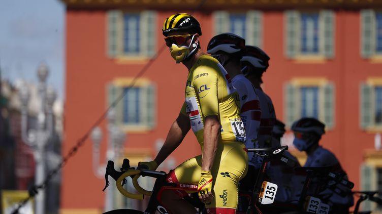 Alexander Kristoff arbore son masque de protection (THIBAULT CAMUS / AFP)