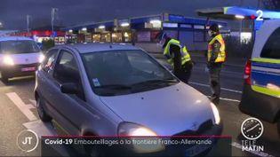 Dans les embouteillages à la frontière allemande. (France 2)
