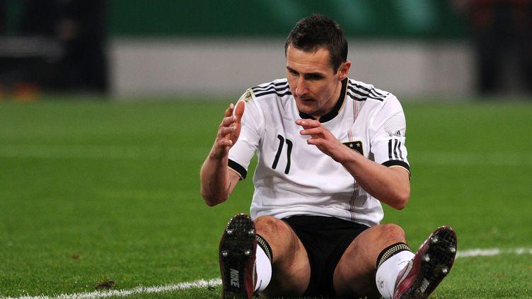 Miroslav Klose, l'avant-centre de l'Allemagne, lors d'un match contre l'Australie, le 29 mars 2011. (PATRIK STOLLARZ / AFP)