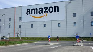Un batiment appartenant à Amazon, à Brieselang (Allemagne). (SASCHA STEINACH / DPA-ZENTRALBILD)