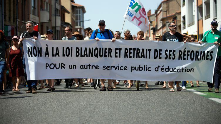 Des enseignants manifestent contre la loi Blanquer, à Toulouse (Haute-Garonne), le 5 juillet 2019. (ALAIN PITTON / NURPHOTO / AFP)