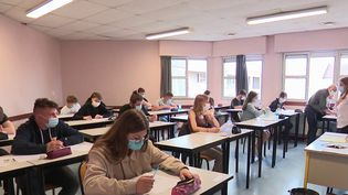 Baccalauréat : jour J pour l'épreuve de philosophie (France 2)