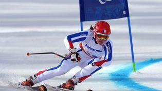 La skieuse Marie Bochet participe à la première épreuve du slalom, le 16 mars 2014, lors des Jeux paralympiques de Sotchi en Russie. (GRIGORIY SISOEV / RIA NOVOSTI / AFP)