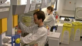 Des chercheurs de Nantes. (CAPTURE D'ÉCRAN FRANCE 3)