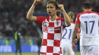 Luka Modric célèbre son but inscrit face à l'Argentine, lors de la Coupe du monde 2018 (PATRICK HERTZOG / AFP)