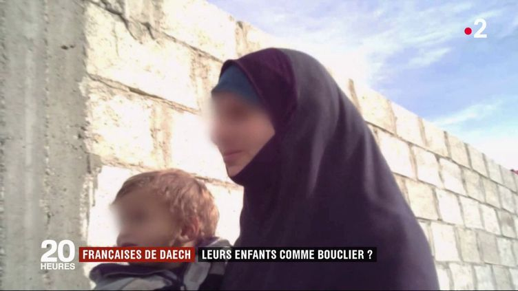 Des jihadistes françaises retenues dans le camp de Roj (Syrie) ont accepté de témoigner au micro de France 2. (FRANCE 2)
