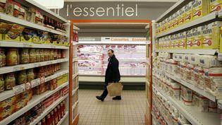 Dans les rayons d'un supermarché, à Grenade-sur-l'Adour (Landes), en 2006. (JEAN-PIERRE MULLER / AFP)